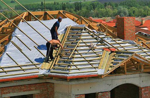 Монтаж пароизоляции крыши дома